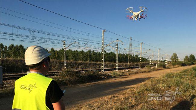Revisión con drones de catenarias de AVE